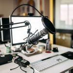 escuchando mis podcast favoritos